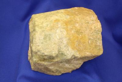 Beryll krystall fra Vanem i Moss 2.3kg 10x12cm