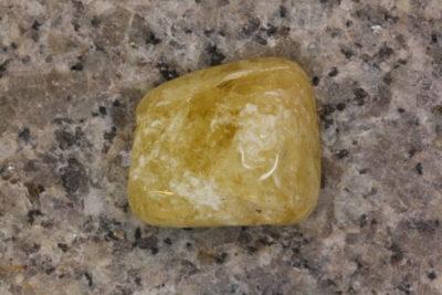 Danburitt gul polert 5.5g 12x16mm