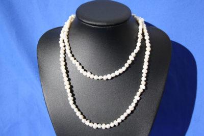 Perle hvit 6/7mm kjede 90cm uten lås