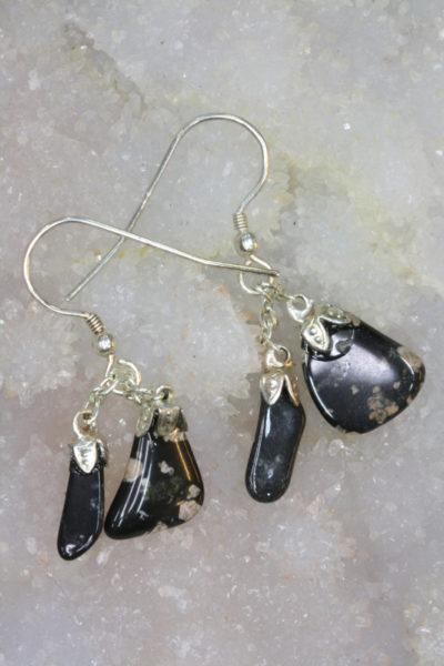 Porfyr sort øreheng tulipan med sølvkrok 4 steiner fra Bærum