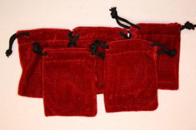Smykkepose rød fløyel 6.5×8.5cm
