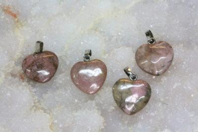Rhodonitt hjerteanheng  15mm ca 5mm tykk