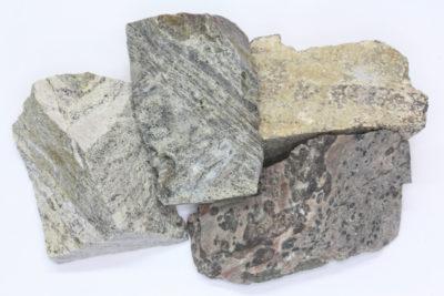 Rhyolitt fra Sande i Vestfold råsteinsbit 3 til 4cm