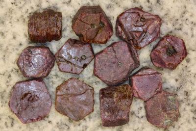 Rubin krystall Afrika  ca 2cm