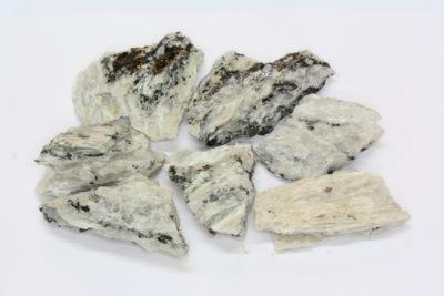 Sillimanitt råsteinsbit 2 til 3cm fra Akland i Risør