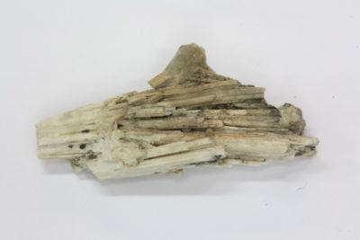 Skapolitt krystall 8g 50mm lang fra Skjerpemyr på Grua