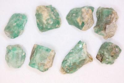 Smaragd Norge krystall ca 10mm i mikroeske