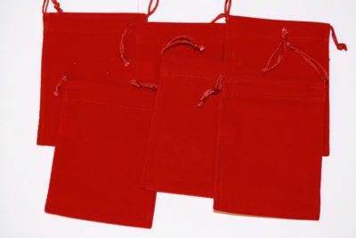 Smykkepose rød velur 7.5x10cm