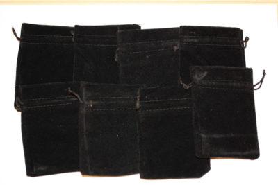 Smykkepose sort velur 6.5×9.5cm