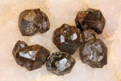 Granat Spessartin   krystall 1.5 til 2cm
