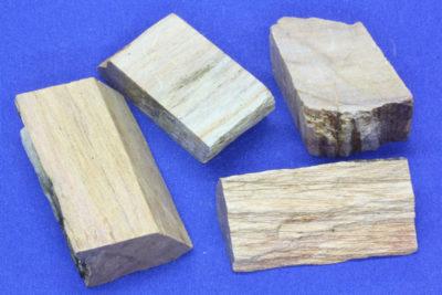 Steatitt gul råsteinsbit 3 til 4cm