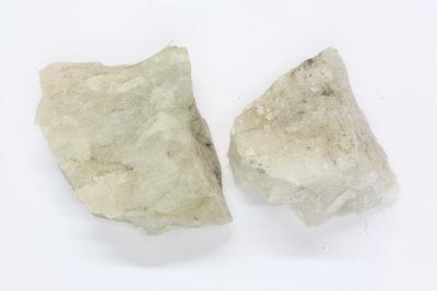 Topas hvit råsteinsbit 3 til 4cm fra Iveland