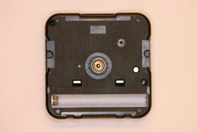 Urverk med 9mm lang stamme SKP Quarts