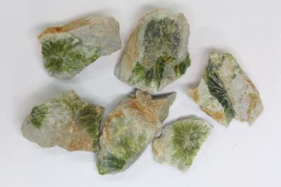 Wavellitt krystaller på moderstein 1 til 2cm fra Garland Co Arkansas USA i mikroeske