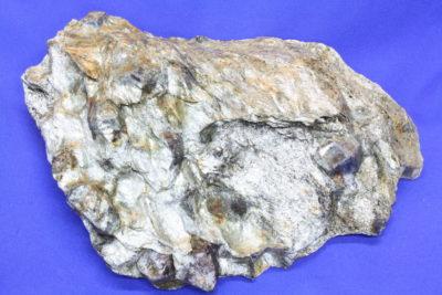 Almandin i glimmerskifer 1.3kg 13x18cm fra Sørskogen i Bardu Norge