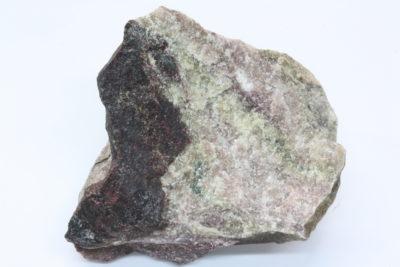 Piemontitt B 175g 4.5x6cm fra Jakobsberg Mine i Nordmark Filipstad Sverige