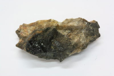 Gadolinitt (Ce) B 10g 2×3.5cm fra Hynnekleiv, Froland Norge