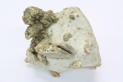 Diopsid C krystaller i moderstein 390g 6.5×8.5cm fra Akersvatnet i Rana Norge