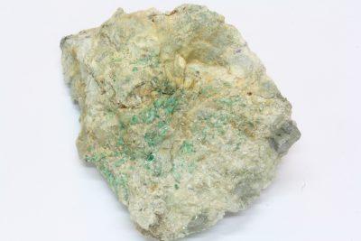 Smaragd krystaller på moderstein 140g 6x8cm fra Byrud gruver på Eidsvoll Norge
