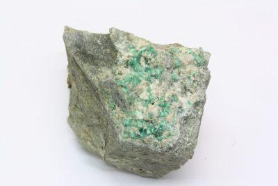 Smaragd krystaller på moderstein 120g 4×5.5cm fra Byrud gruver på Eidsvoll Norge