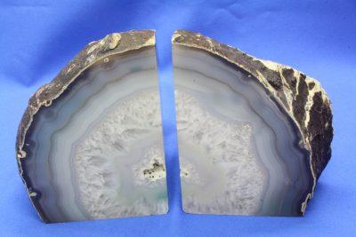 Agat naturlig farge bokstøtter 2.8kg 12.5cm høy, pris er for paret.
