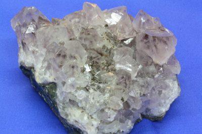Ametyst med Hematitt D gruppe 320g 6.5x8cm fra Minas Gerais Brasil