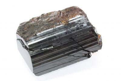 Schorl » sort turmalin» krystall 625g 6x10cm fra Minas Gerais i Brasil, skader på krystallen.