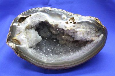 Agat geode naturlig farge 2.55kg 12x20cm fra Brasil